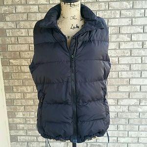 Women's Lands End black puffer vest with goosedown